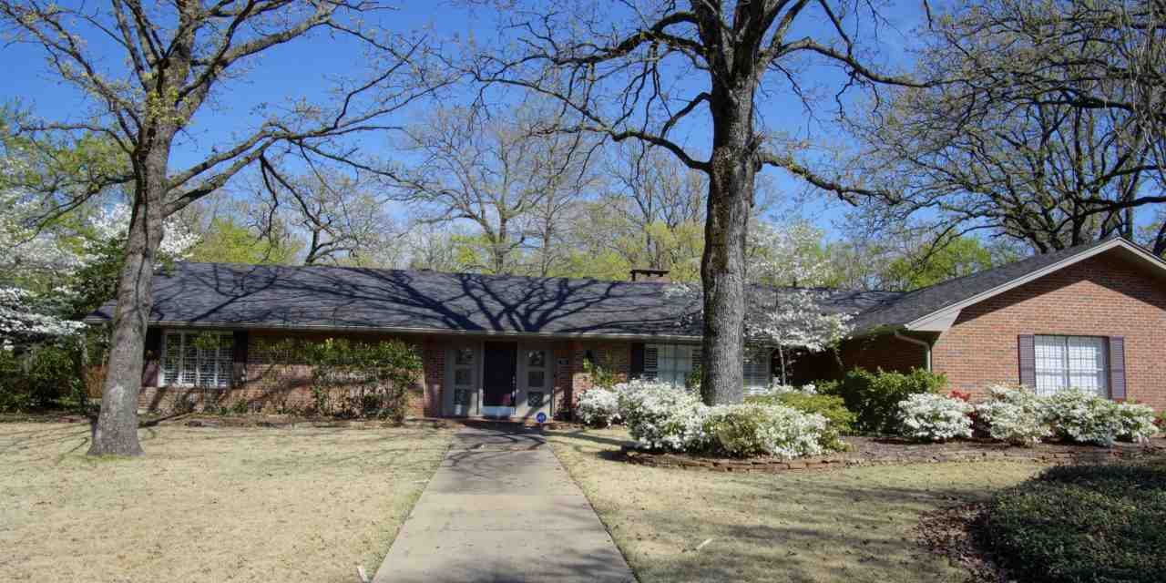 Three bedroom home for sale in Paris, Texas || $254,900