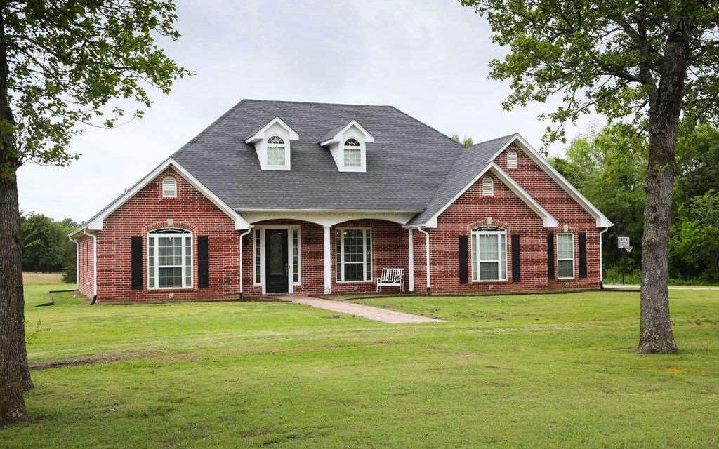 Three bedroom home for sale in Sumner, Texas || $435,000